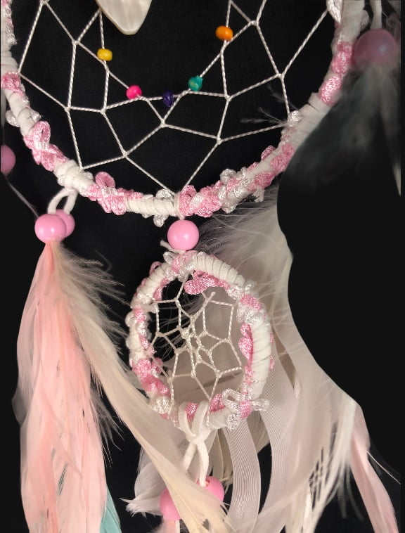 515 dromenvanger meisjes - meisjeskamer - sweet girl - roze en wit - pastel detail