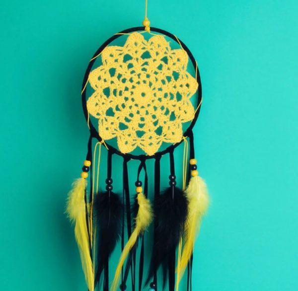 723 dreamcatcher geel zwart gehaakt web 2